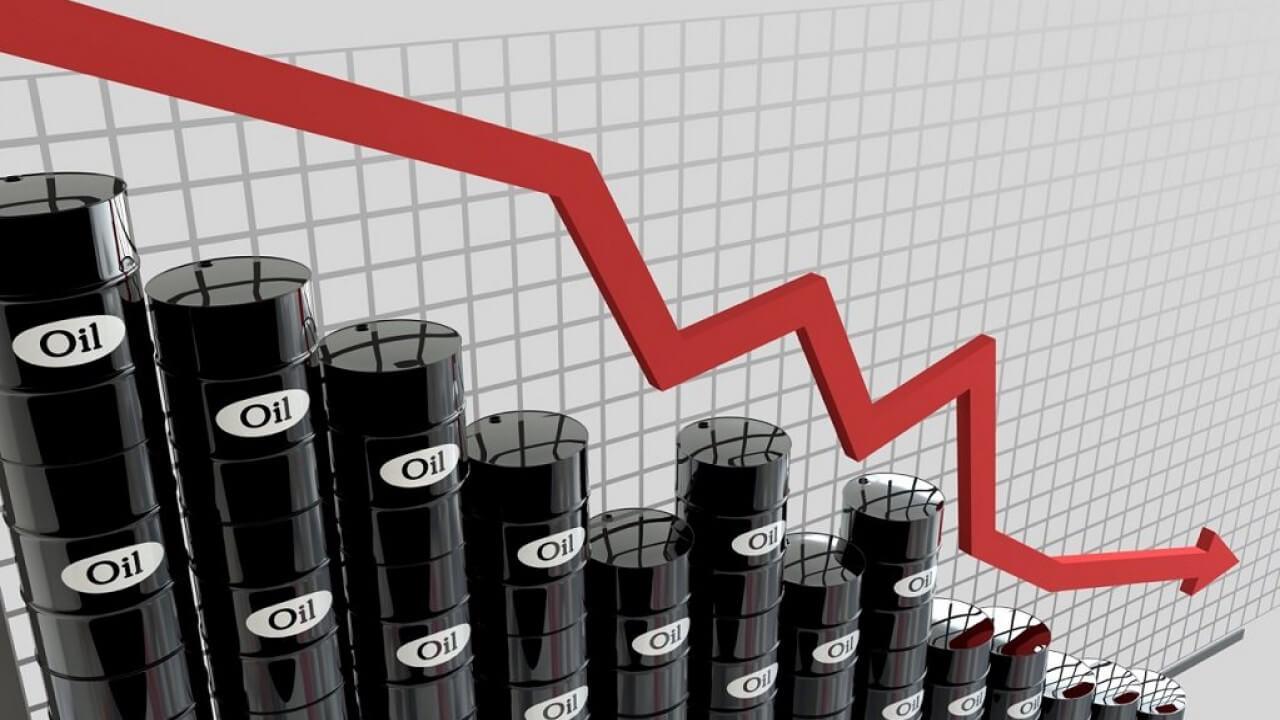 Почему цена на нефть продолжают падать?